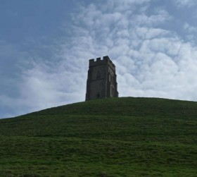 glastonbury-tor-crystal-skull-event